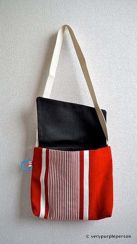 Red stripes messenger bag