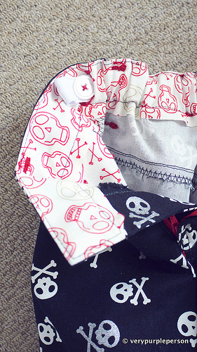 Skull and cross pants