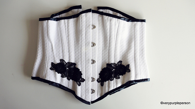 Underbust Corset (Laughing Moon 113)
