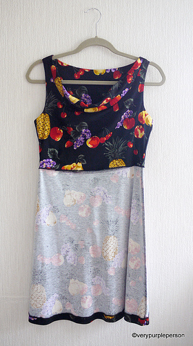 Fruit jersey dress (Vogue 1351)
